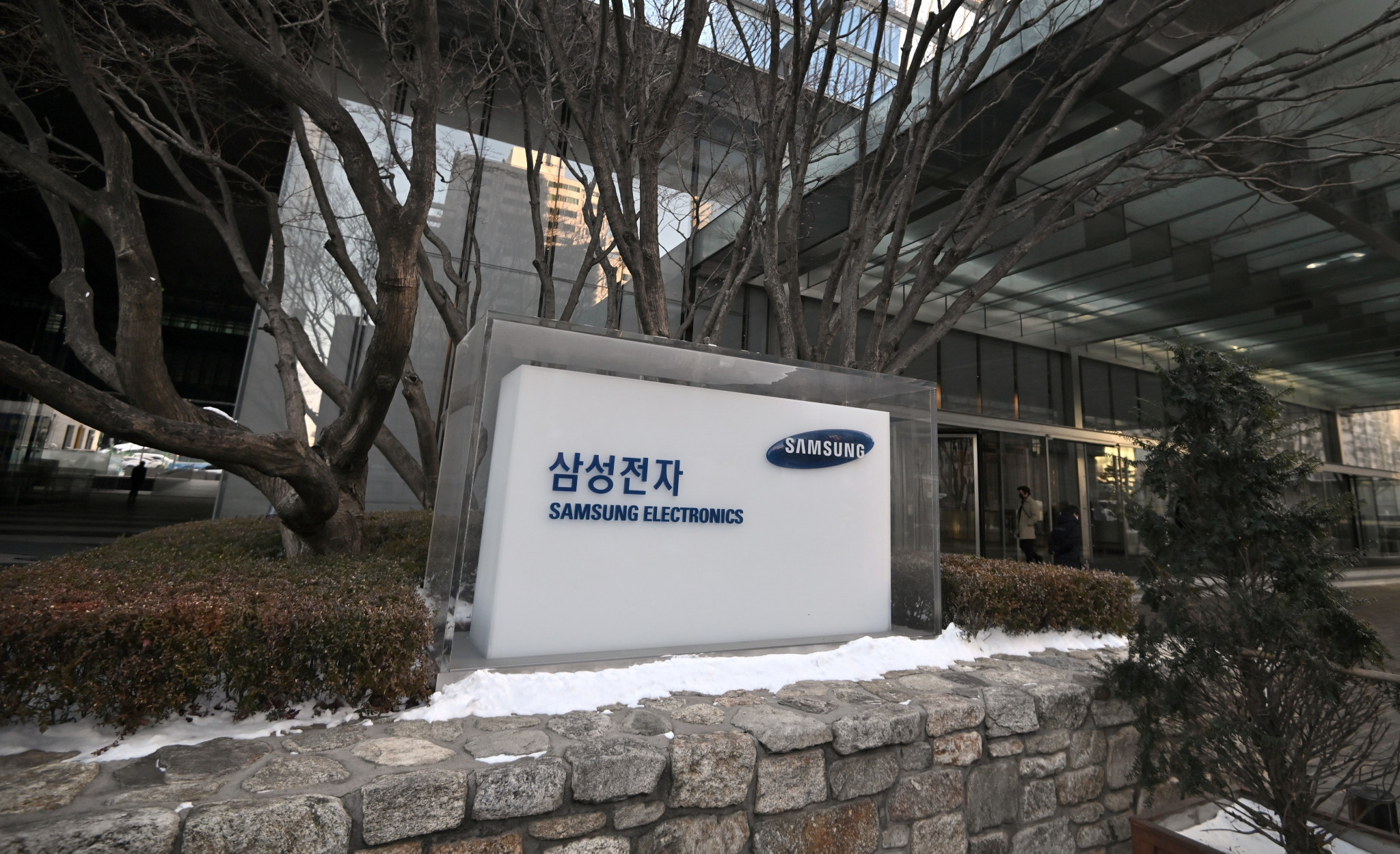 Samsung could be without its top decision-maker for up to 18 months after Lee Jae-Yong's sentencing by a court in Seoul today