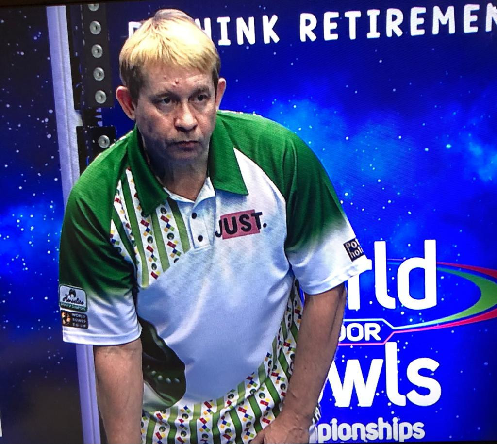 England's Greg Harlow edged out Scotland's Julie Forrest to reach the open singles quarter-finals ©World Bowls Tour