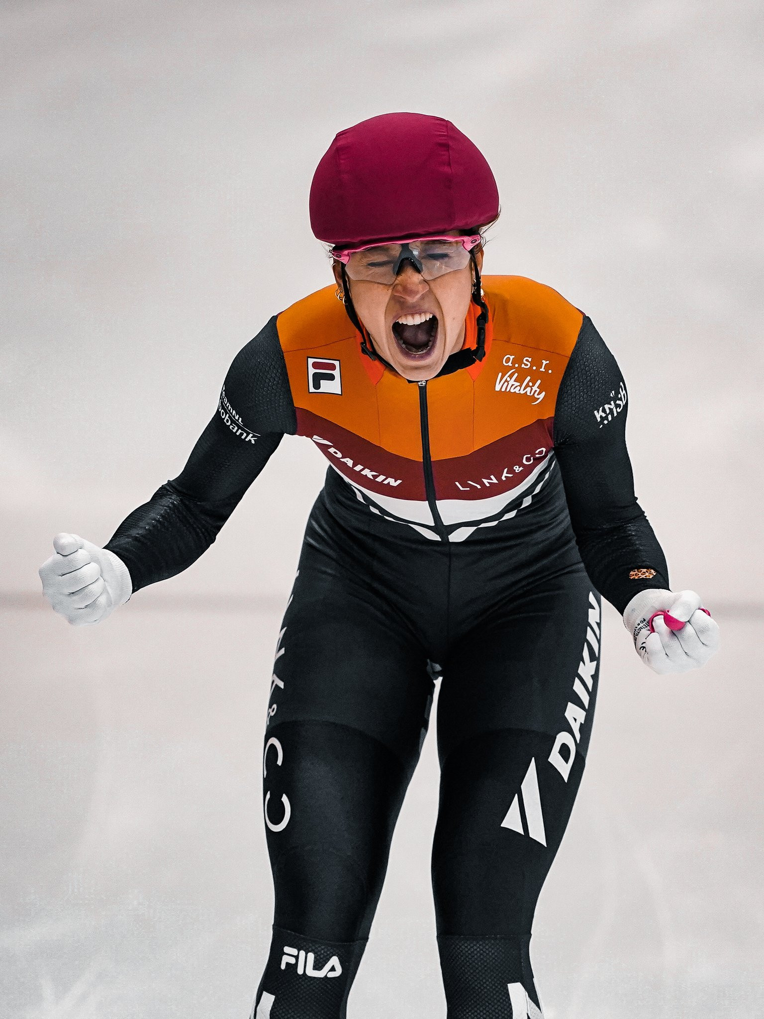 Schulting and Elistratov win overall titles at European Short Track Championships
