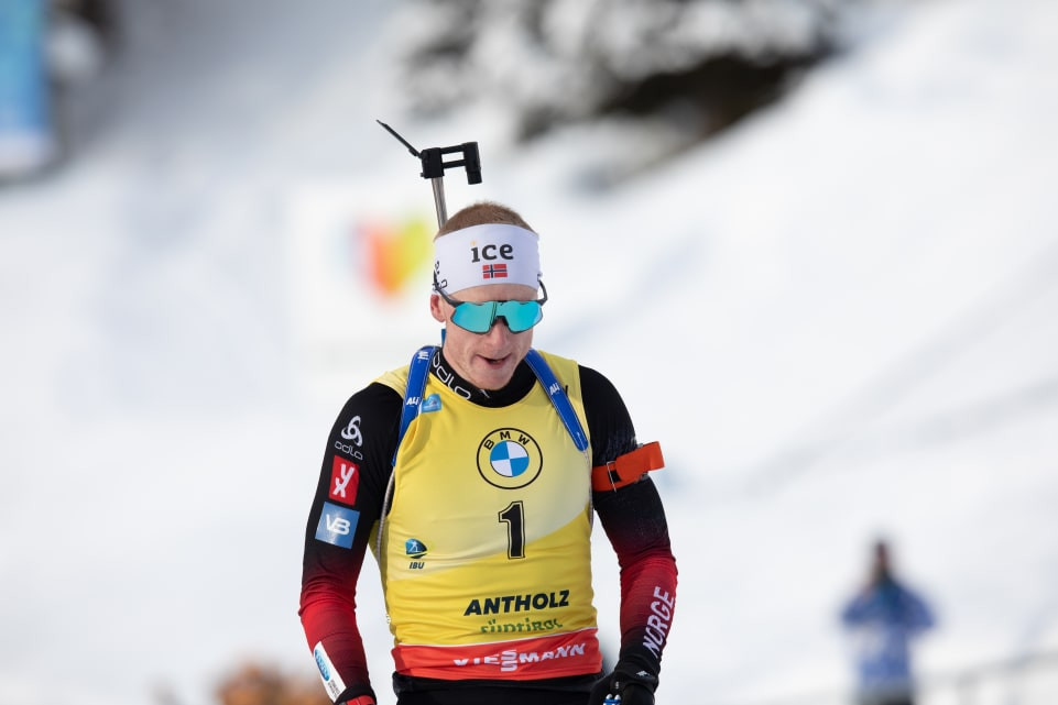 No holding Bø as he earns fourth IBU World Cup win of season in 15km mass start