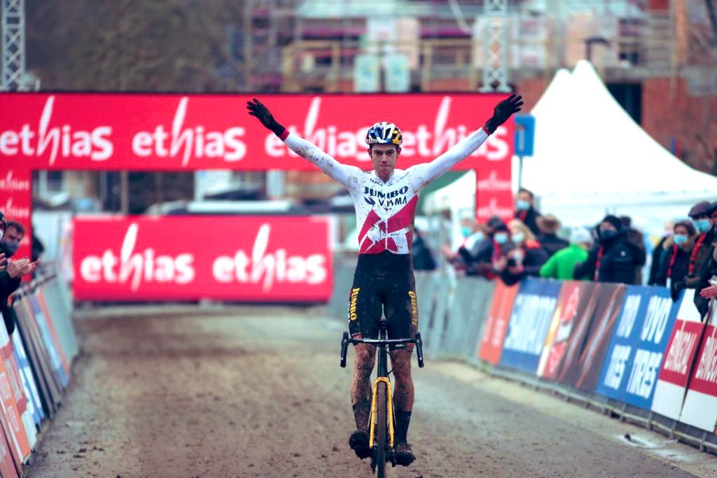 Van Aert clinches UCI Cyclo-Cross World Cup title with win in Overijse