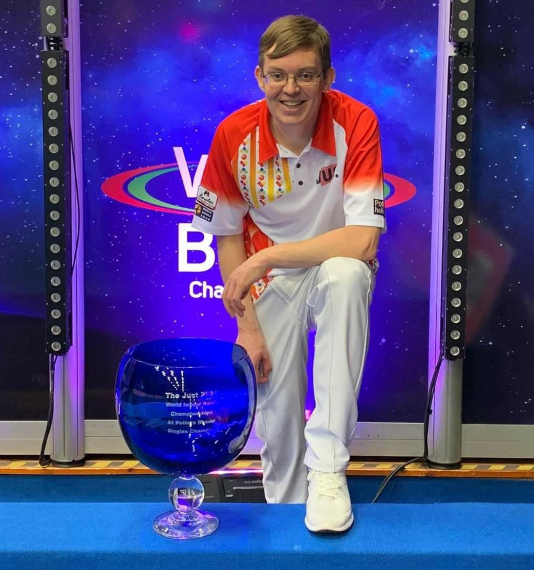 Mark Dawes is now a two-time open singles indoor world champion ©Twitter/BowlsEngland