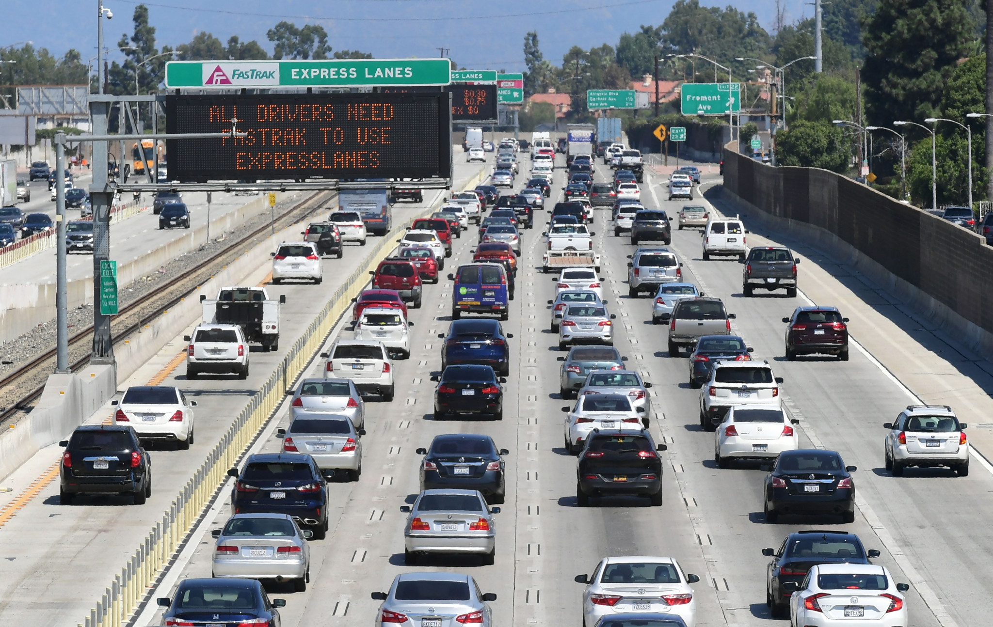 Los Angeles worst city in US for traffic congestion, TomTom study reveals