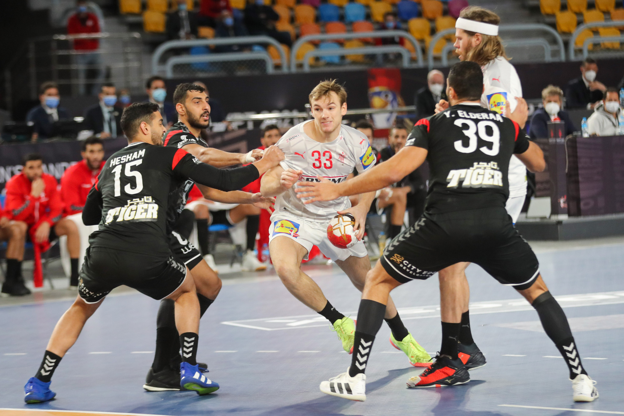 Defending champions edge out hosts as semi-final line-up confirmed for World Men's Handball Championship
