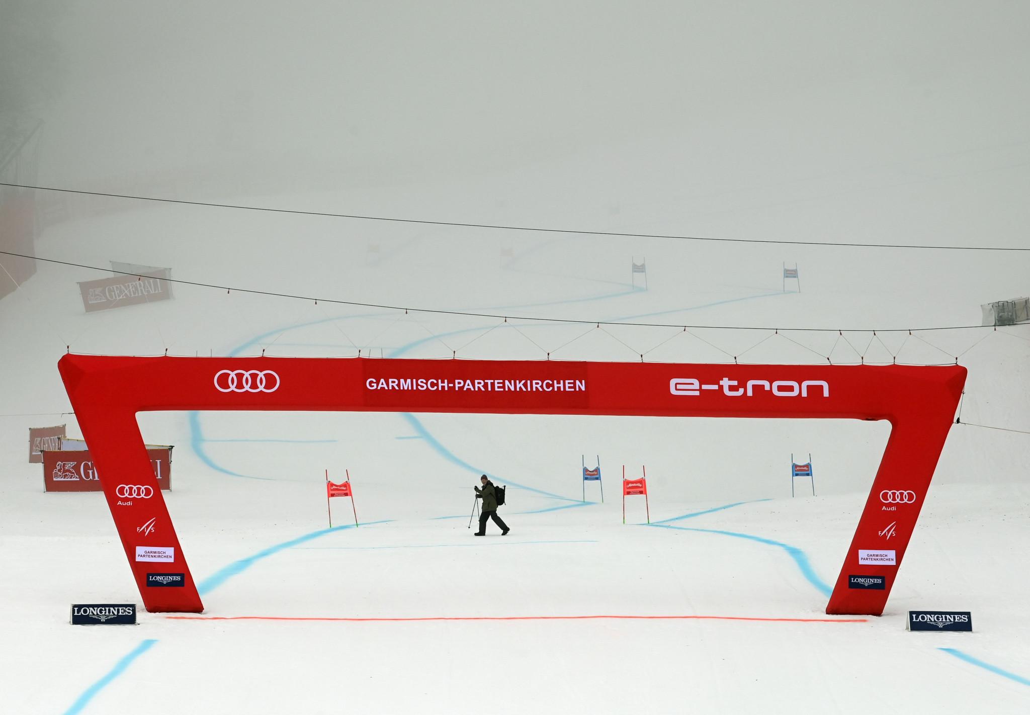 Second super-G race delayed as fog foils FIS Alpine World Cup