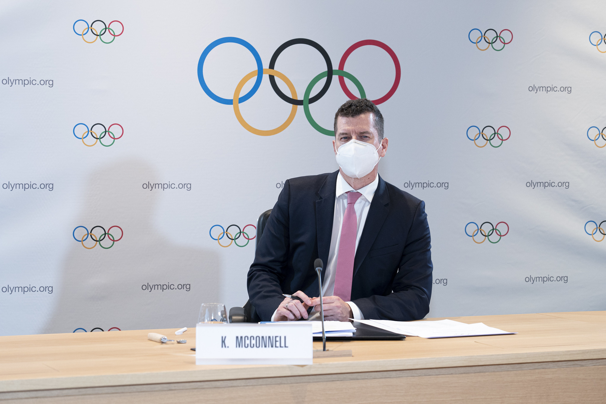 IOC sports director Kit McConnell sent a stern warning to the IWF Executive Board over weightlifting's Olympic status last week ©IOC