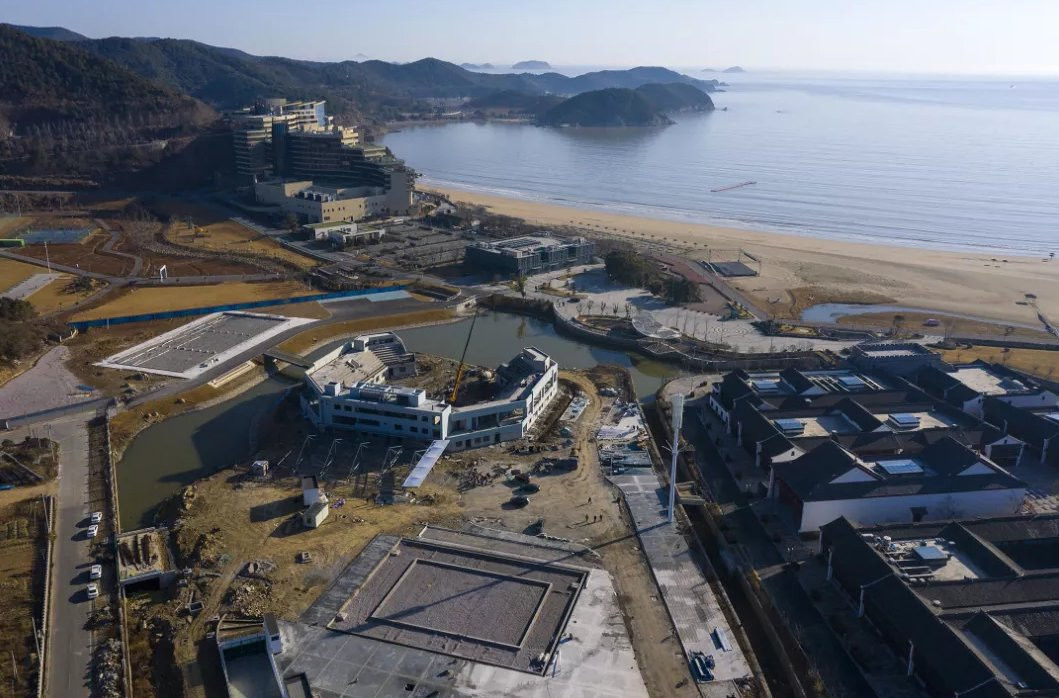 The beach volleyball venue for Hangzhou 2022 is located in the Donghai Banbianshan tourist resort of Ningbo ©Hangzhou 2022