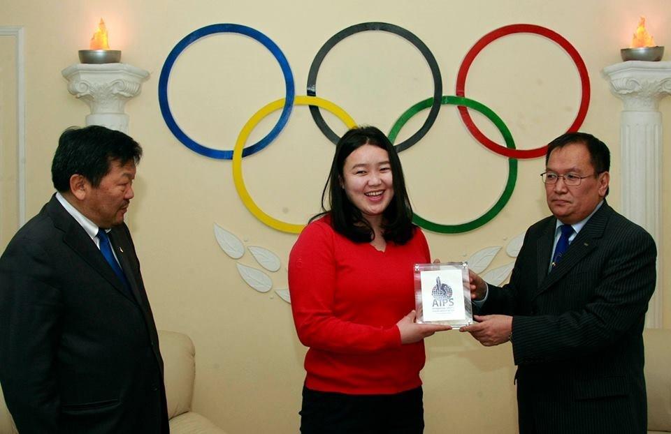 Jargalsaikhan Tsetsegmaa was presented the award as Mongolia's Olympic House ©MNOC