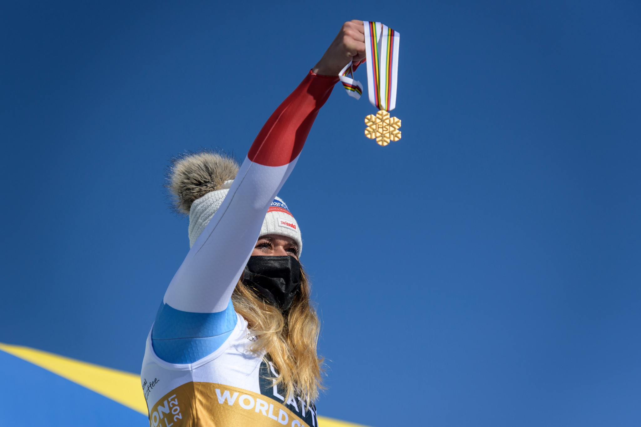 Suter secures women's downhill title at FIS Alpine World Ski Championships