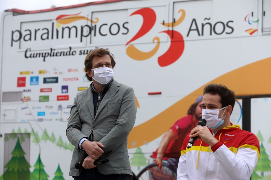 Spanish Paralympic Committee celebrates 25th anniversary with bus tour
