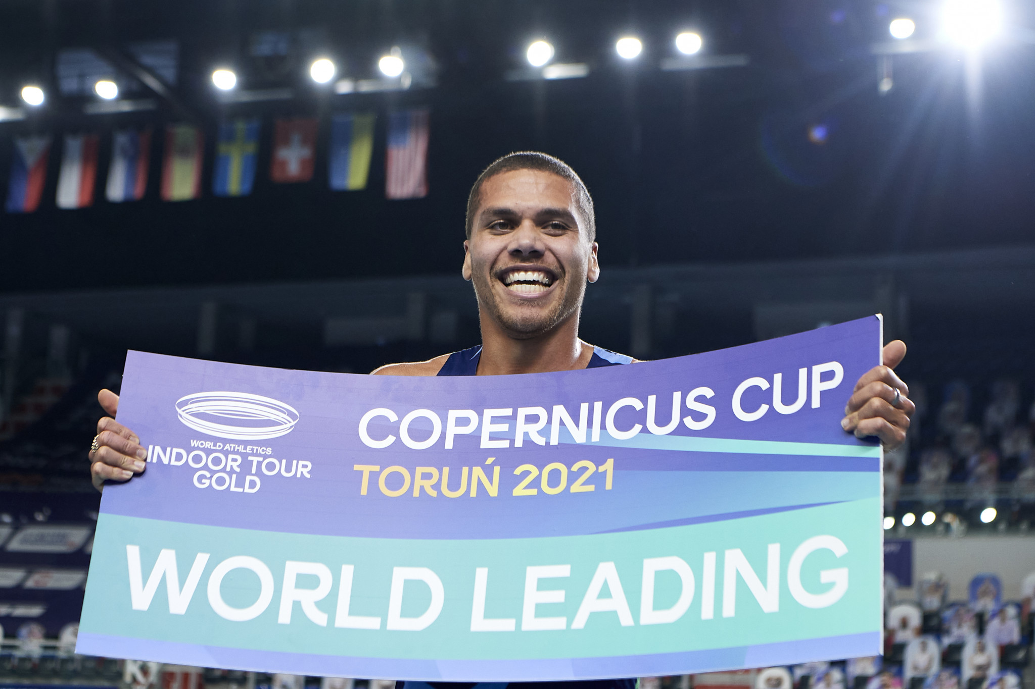 Giles runs second-fastest indoor 800m ever on night of 2021 world leads in Torun