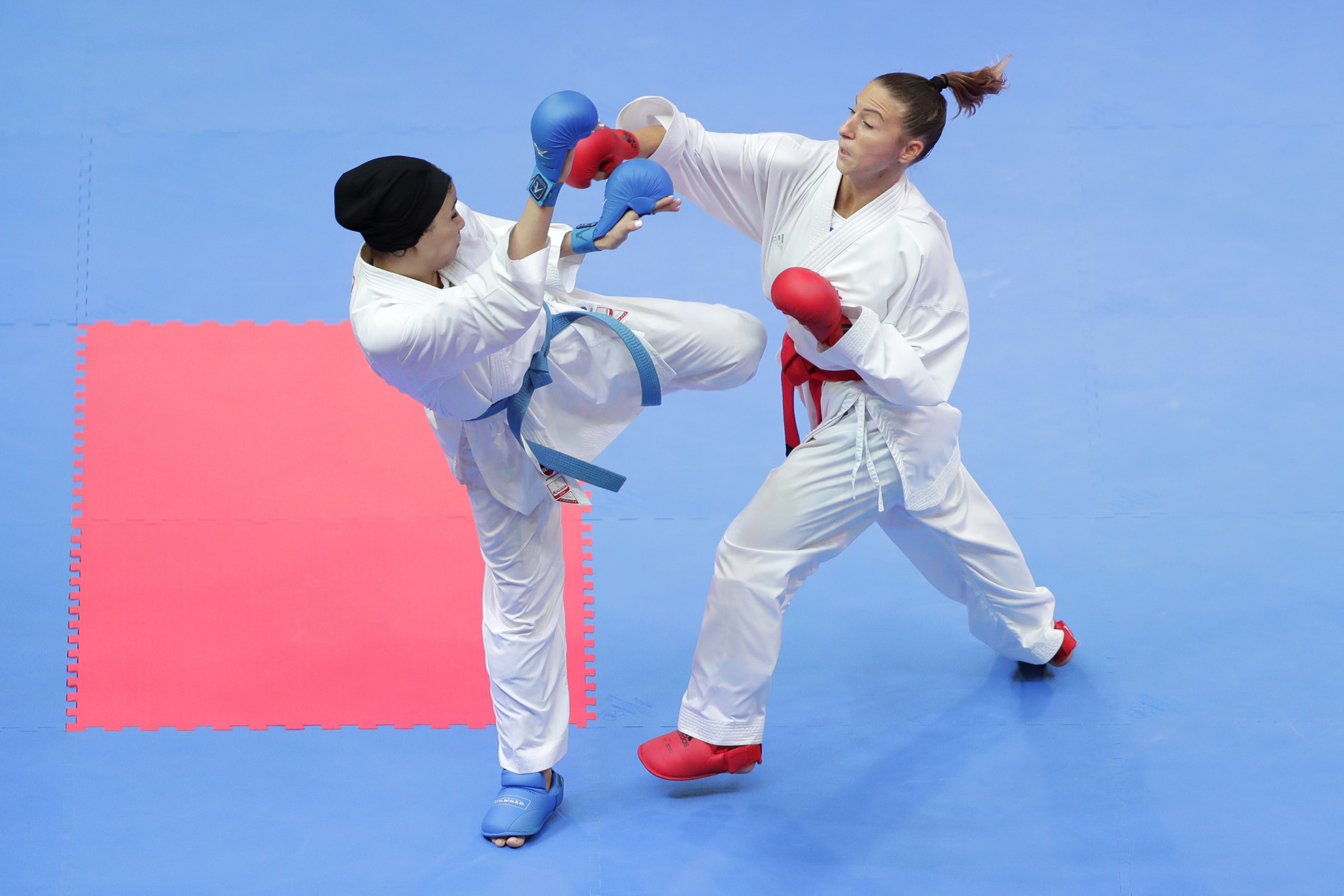France's Alexandra Recchia, right, is a two-time individual and three-time team world champion ©Getty Images