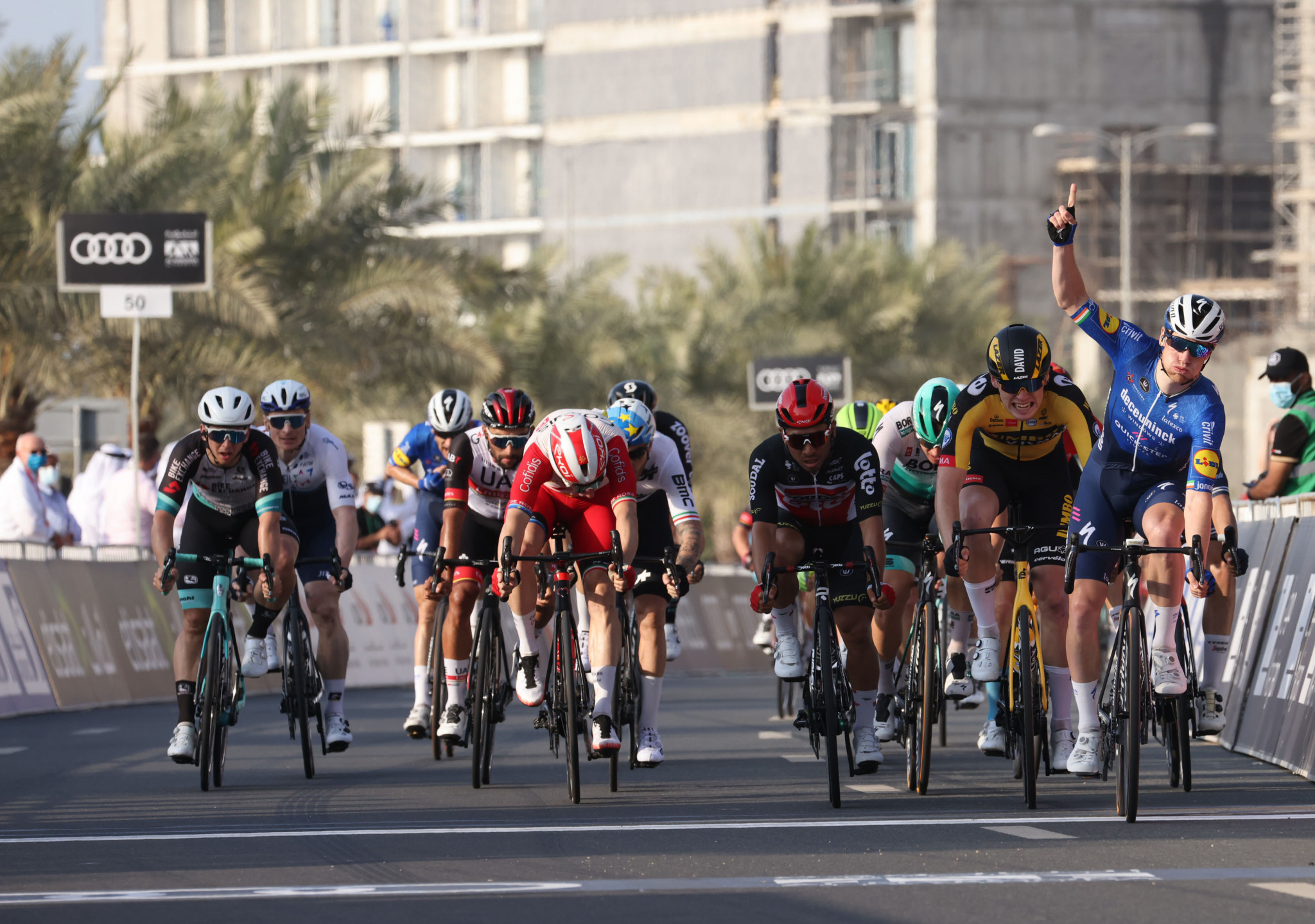 Bennett sprints to stage-four victory at UAE Tour at Al Marjan Island
