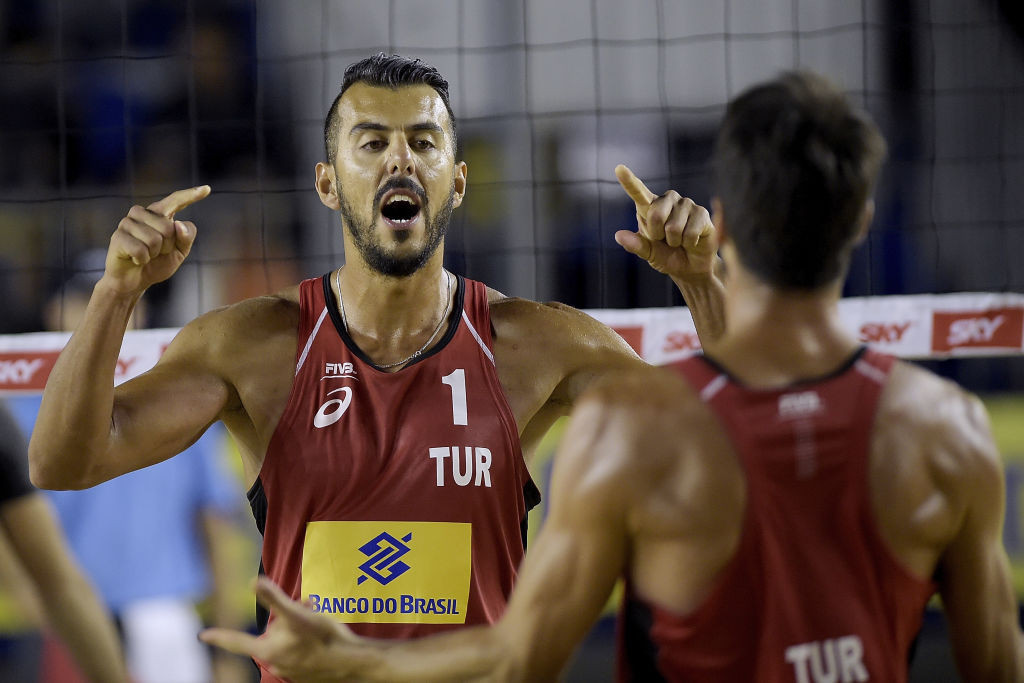 Turkey's Murat Giginoglu and Volkan Gogtepe are through to the semi-finals of the Doha Beach Volleyball Cup ©Getty Images