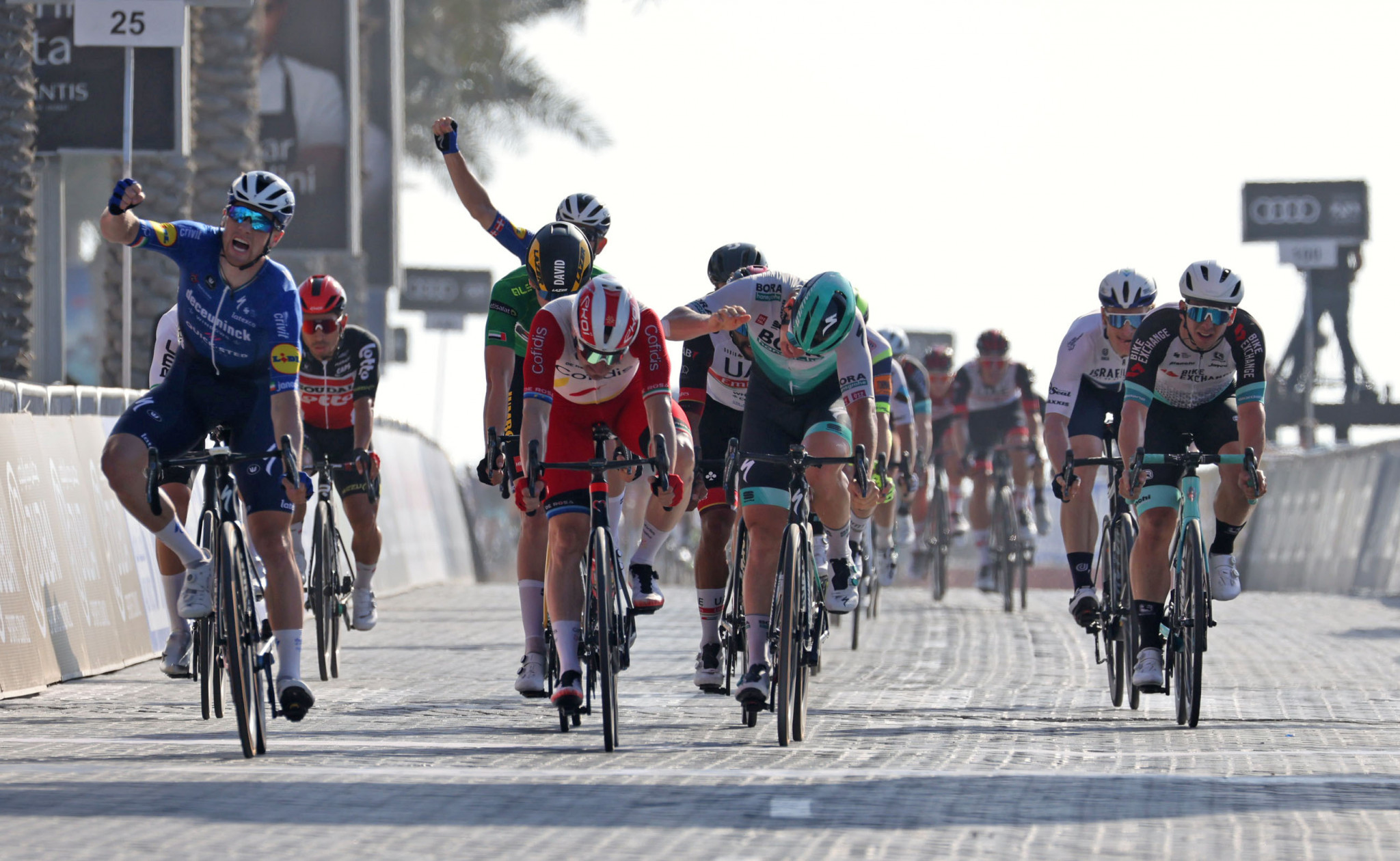 Bennett earns second stage win at UAE Tour in sprint finish