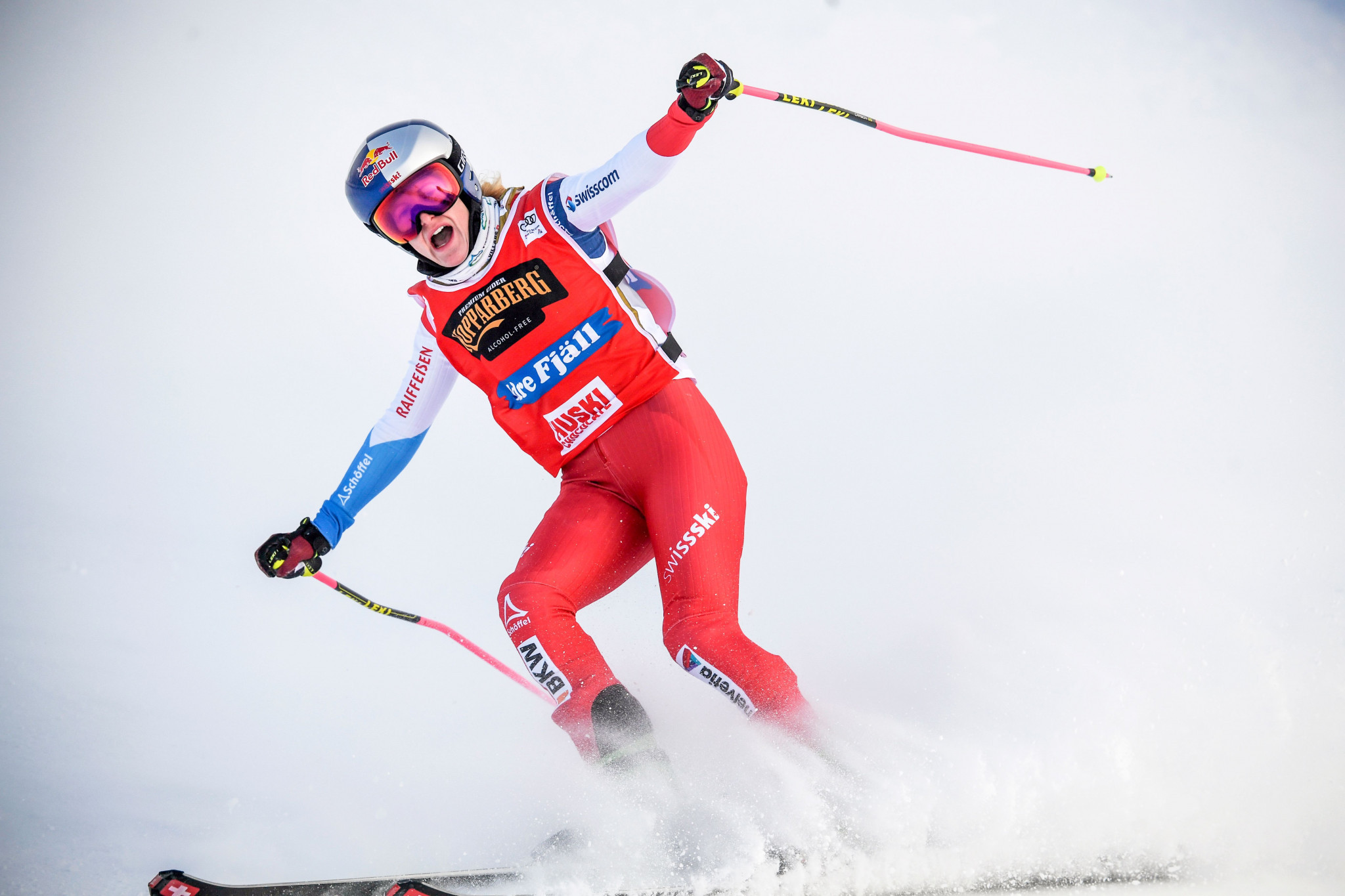 Photo-finish win in Bakuriani earns Smith third FIS Ski Cross World Cup title