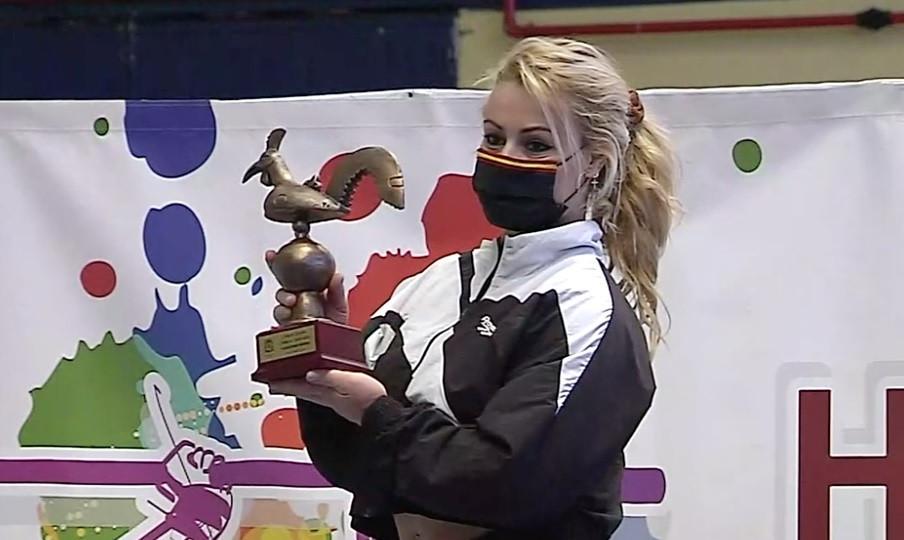 Podio en la Copa de España absoluta en Lyon, con Lydia Valentine ganando en la prueba femenina © Brian Oliver