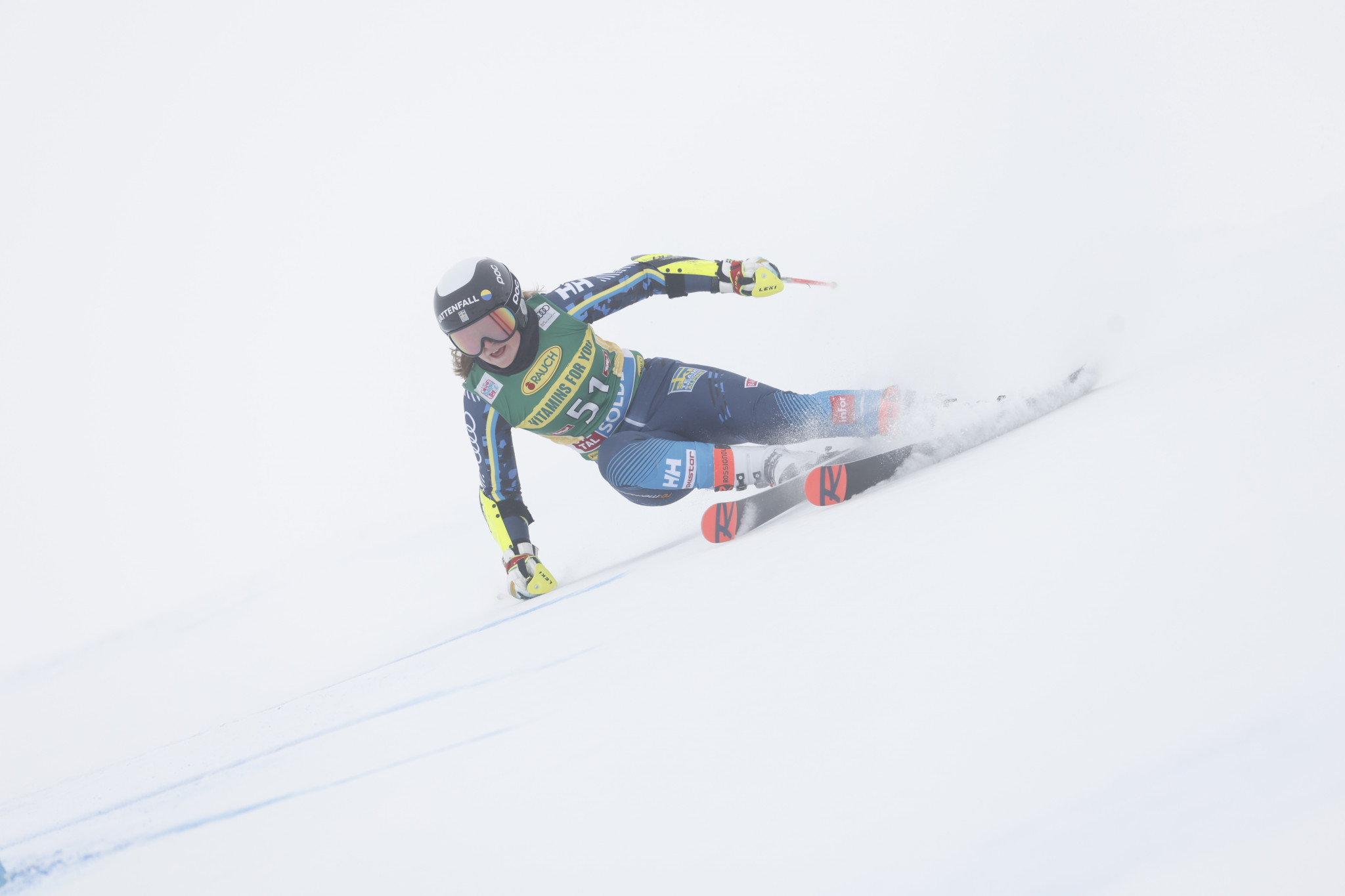 Elfman gets over the hump and wins giant slalom at Alpine Junior World Ski Championships