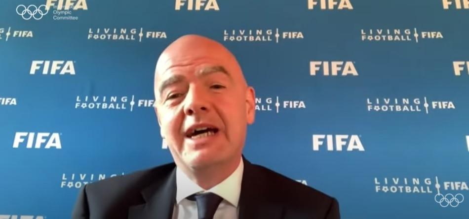 FIFA President Gianni Infantino congratulated Thomas Bach and the IOC for Agenda 2020 ©IOC
