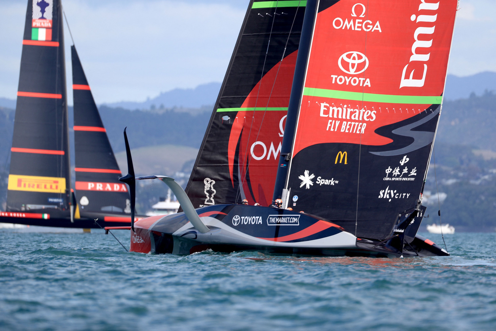 Team New Zealand close on America's Cup title defence after opening up lead