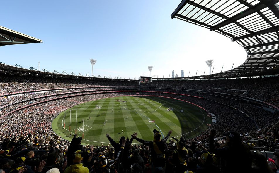 AFL Grand Final target 100,000 crowd after returning to traditional afternoon timeslot