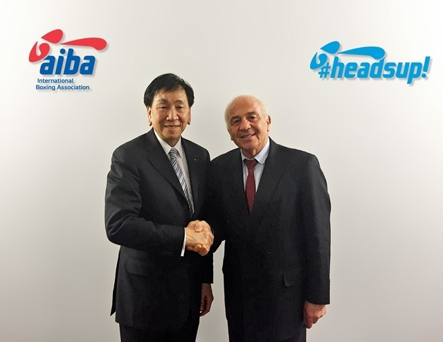 Italian Franco Falcinelli, right, having helped force out C K Wu as President, initially campaigned against Gafur Rakhimov before switching his allegiance for the second time after being suspended ©AIBA