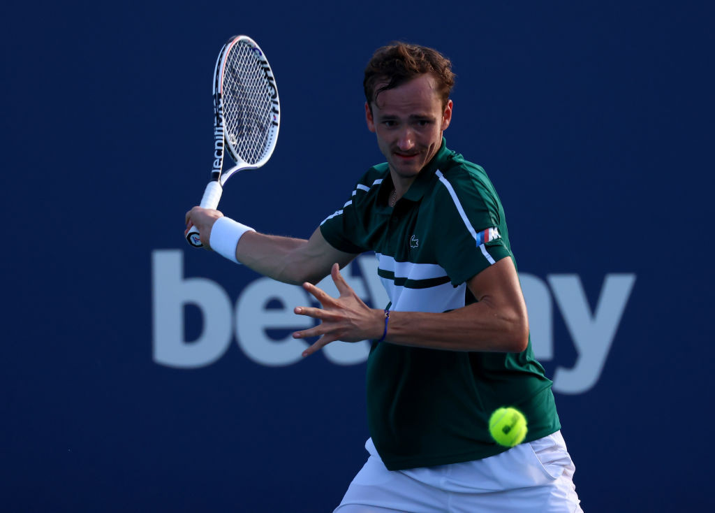 Medvedev battles through to fourth round with three-set win at Miami Open