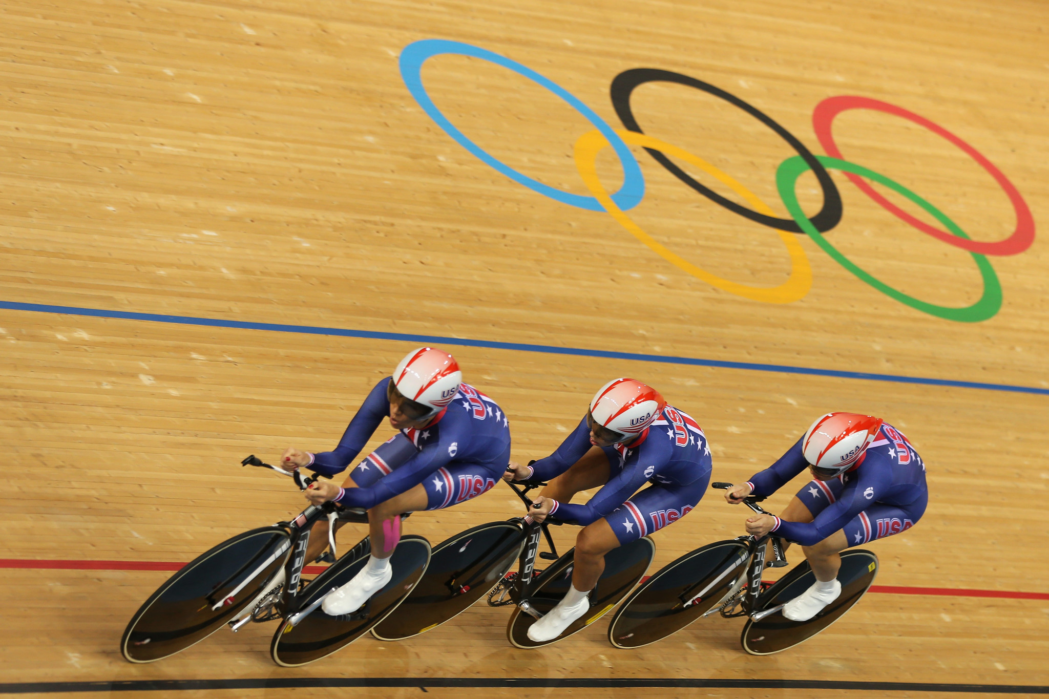 Dotsie Bausch credits a plant-based diet with enabling her to win an Olympic medal at London 2012, aged 39 ©Getty Images