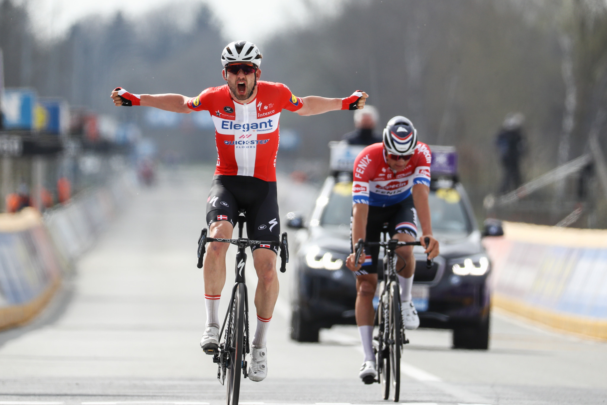 Asgreen takes upset win as Van Vleuten victorious at Tour of Flanders