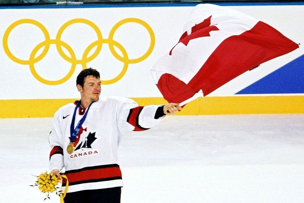 Mario Lemieux was diagnosed with Hodgkin's disease at the height of his ice hockey fame in 1993, and returned with huge success in the NHL as well as leading Canada to Olympic gold at the 2002 Salt Lake City Winter Games ©Getty Images