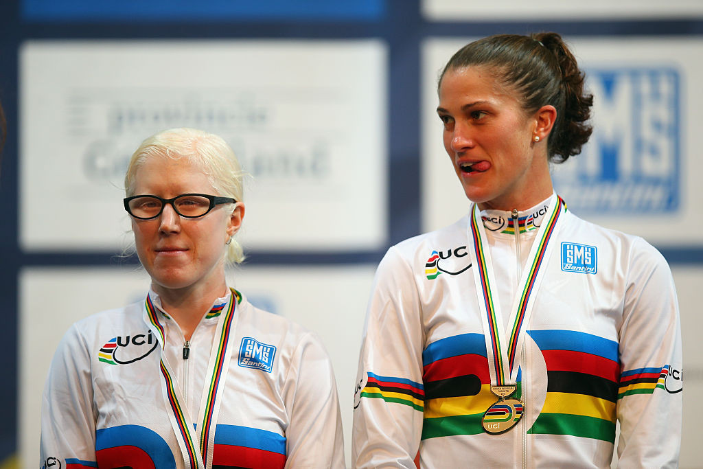 Emma Foy, left, has retired from Para cycling ©Getty Images
