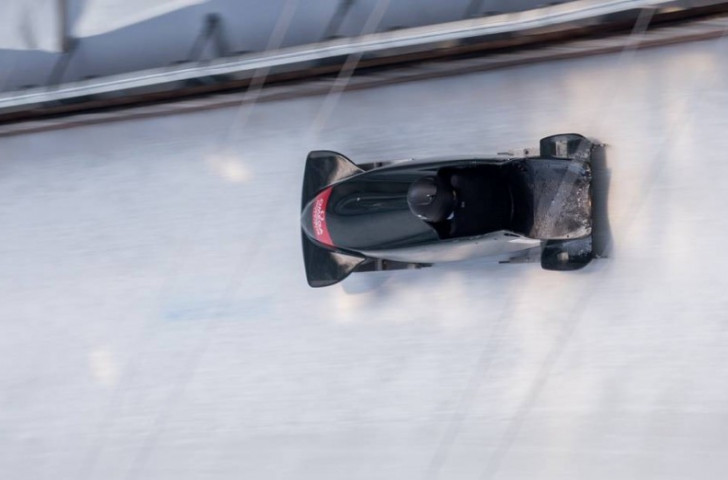 Canada's first world Para-bobsleigh champion Lonnie Bissonnette in action ©IBSF