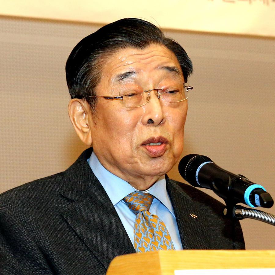 Un-yong Kim