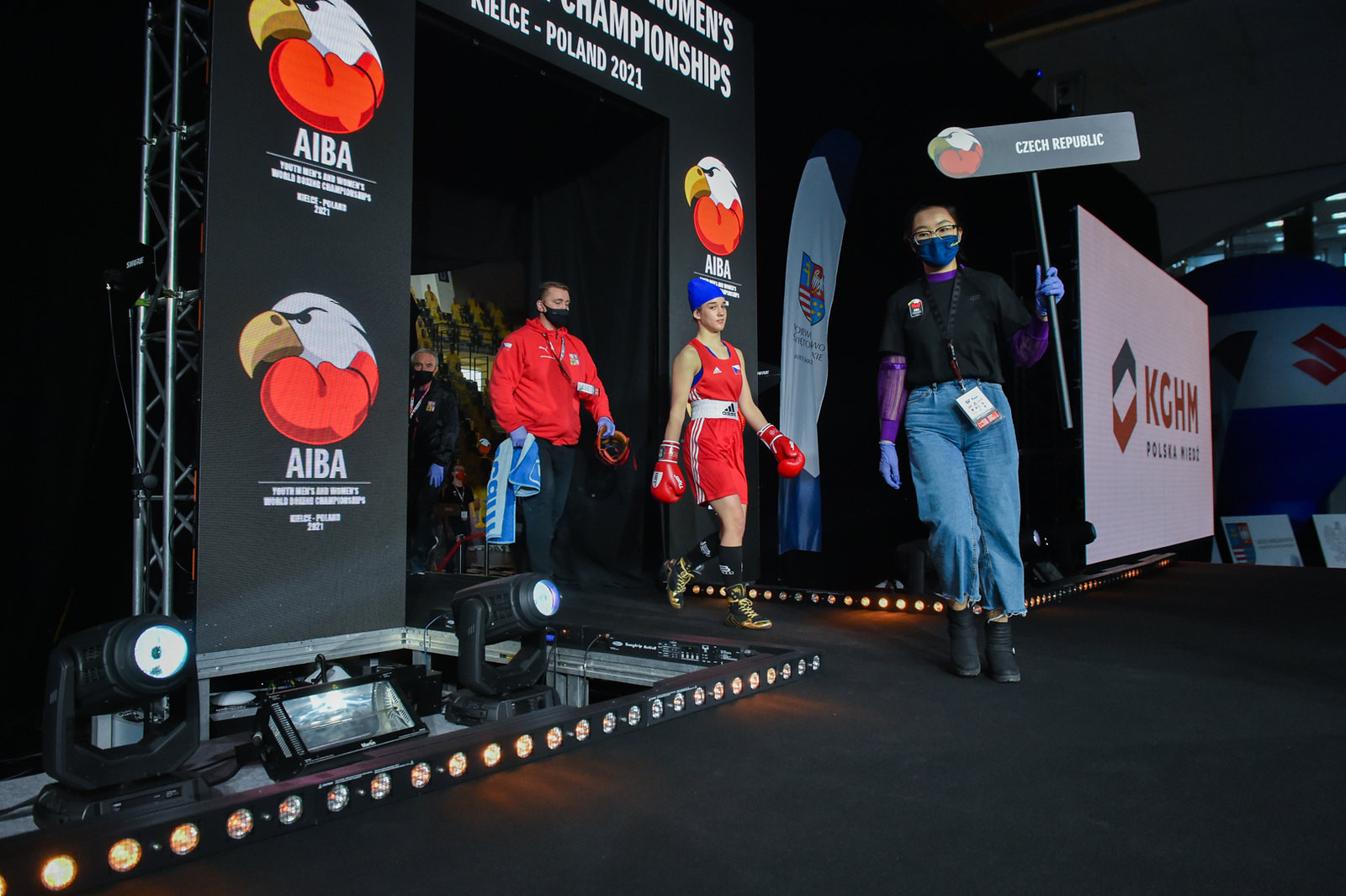 A fighter from the Czech Republic makes her way into the ring ©AIBA