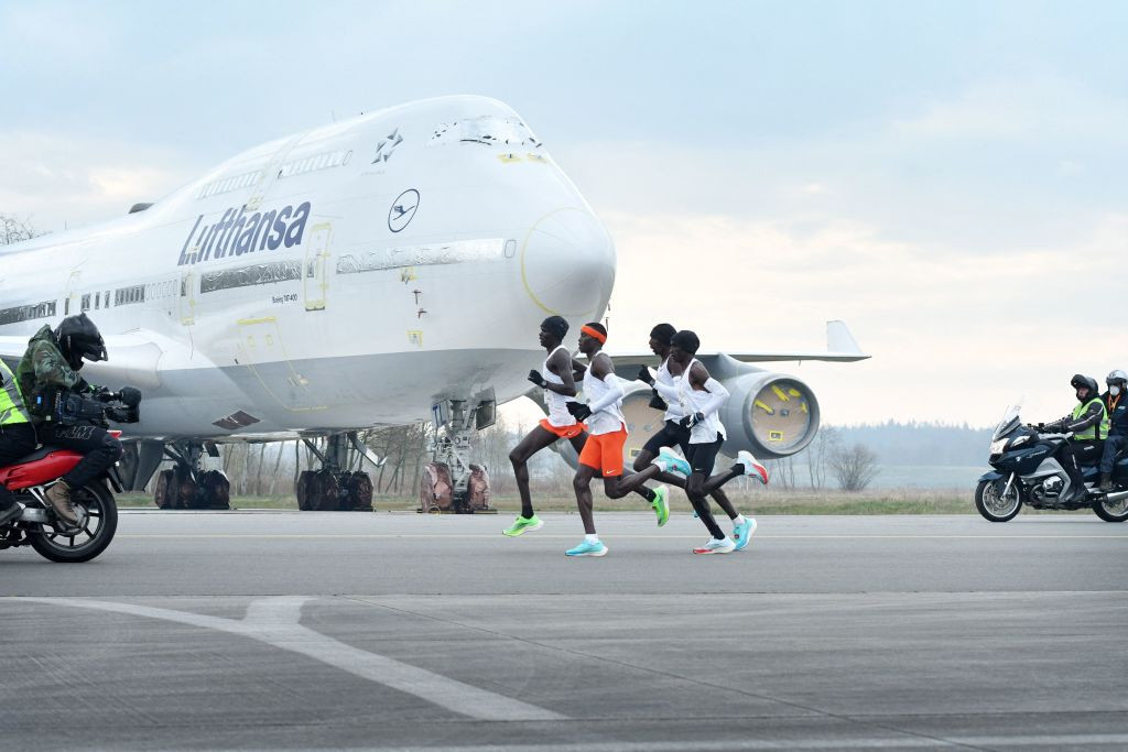 Eliud Kipchoge and Katharina Steinruck were the men's and women's winners of the NN Mission Marathon, switched at short notice from Hamburg to a closed course at Twente Airport in the Dutch city of Enschede ©Getty Images