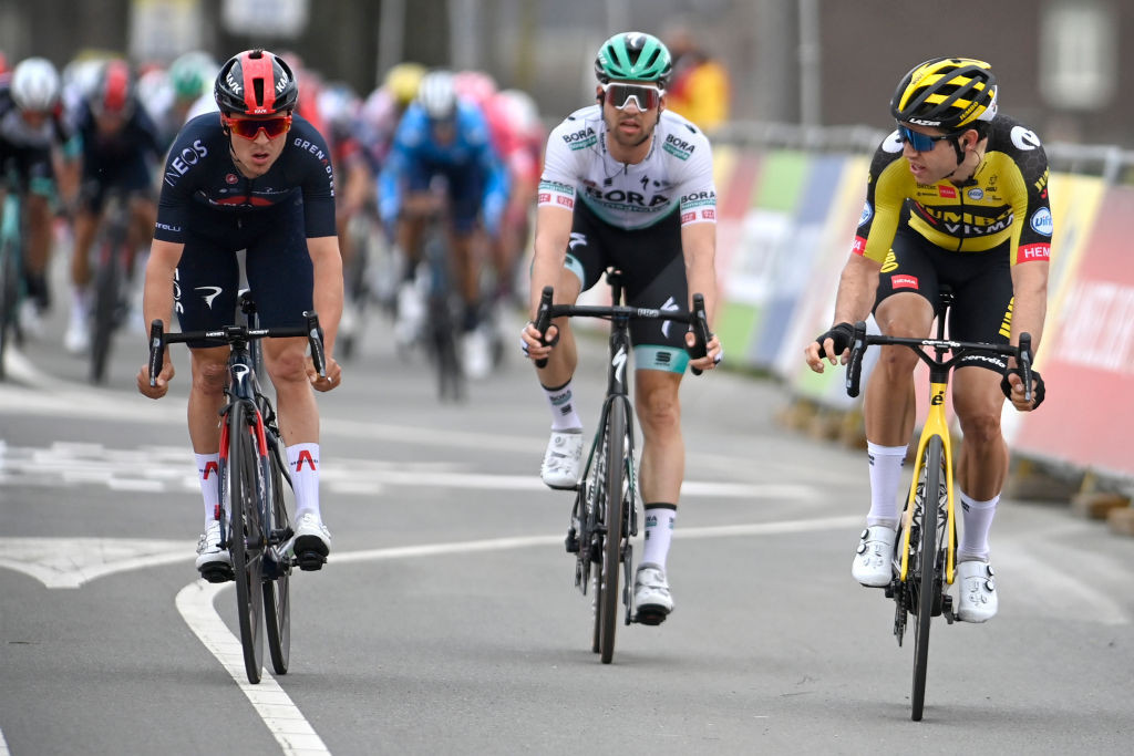 Van Aert takes Amstel Gold win over Pidcock on photo finish after Vos wins women's race