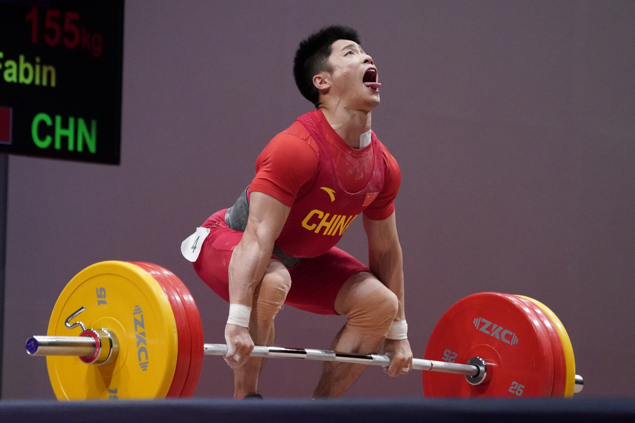Li Fabin of China was a clear winner in the men's 61 kilograms category, but fell just short in his quest for a world record ©Getty Images