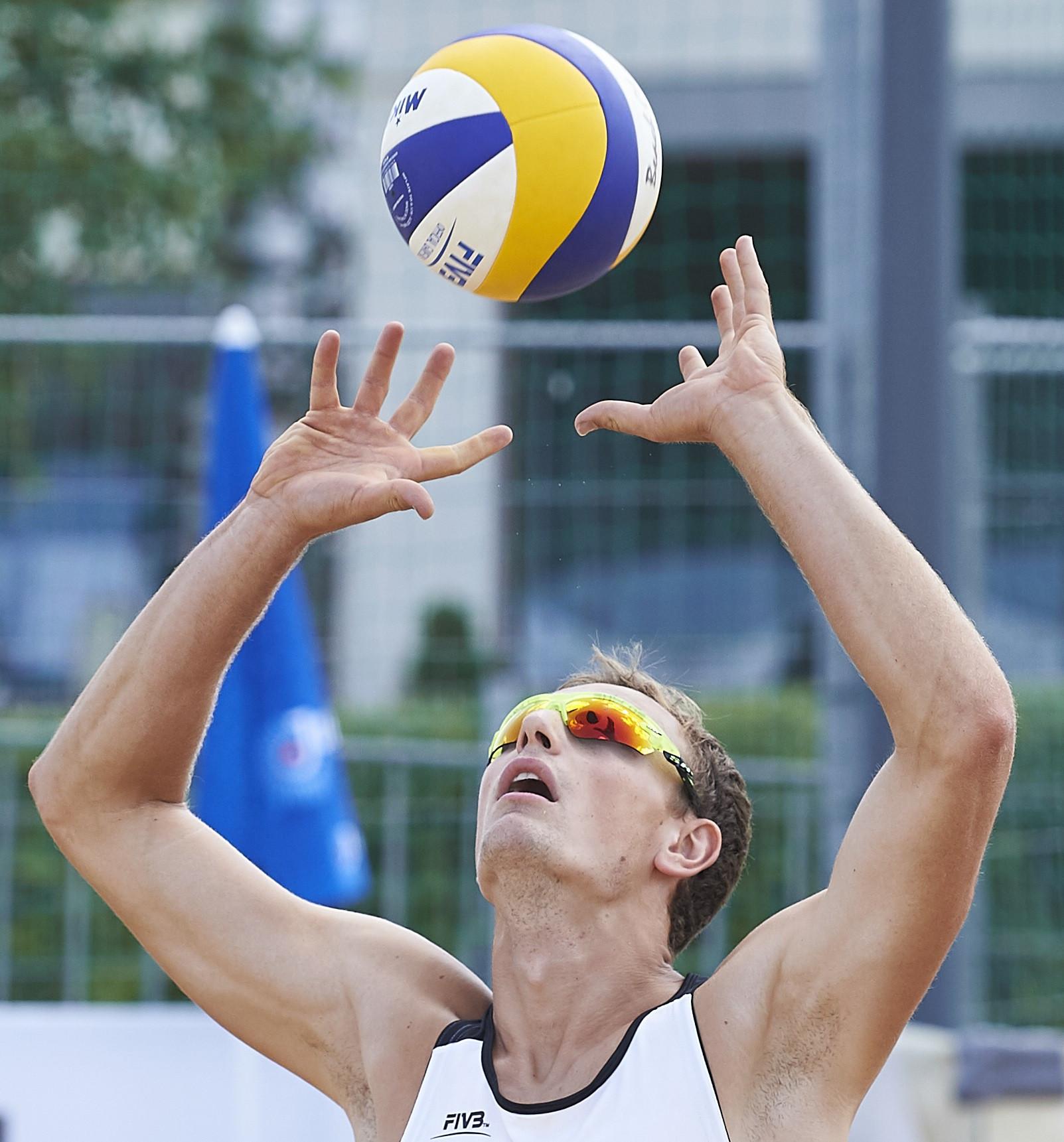 Perusic and Schwiener reach FIVB Cancun Hub quarter-finals the hard way