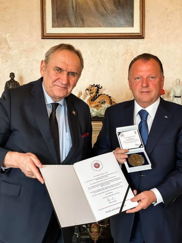 IJF President recognised by Polish Olympic Committee for supporting judo in Poland