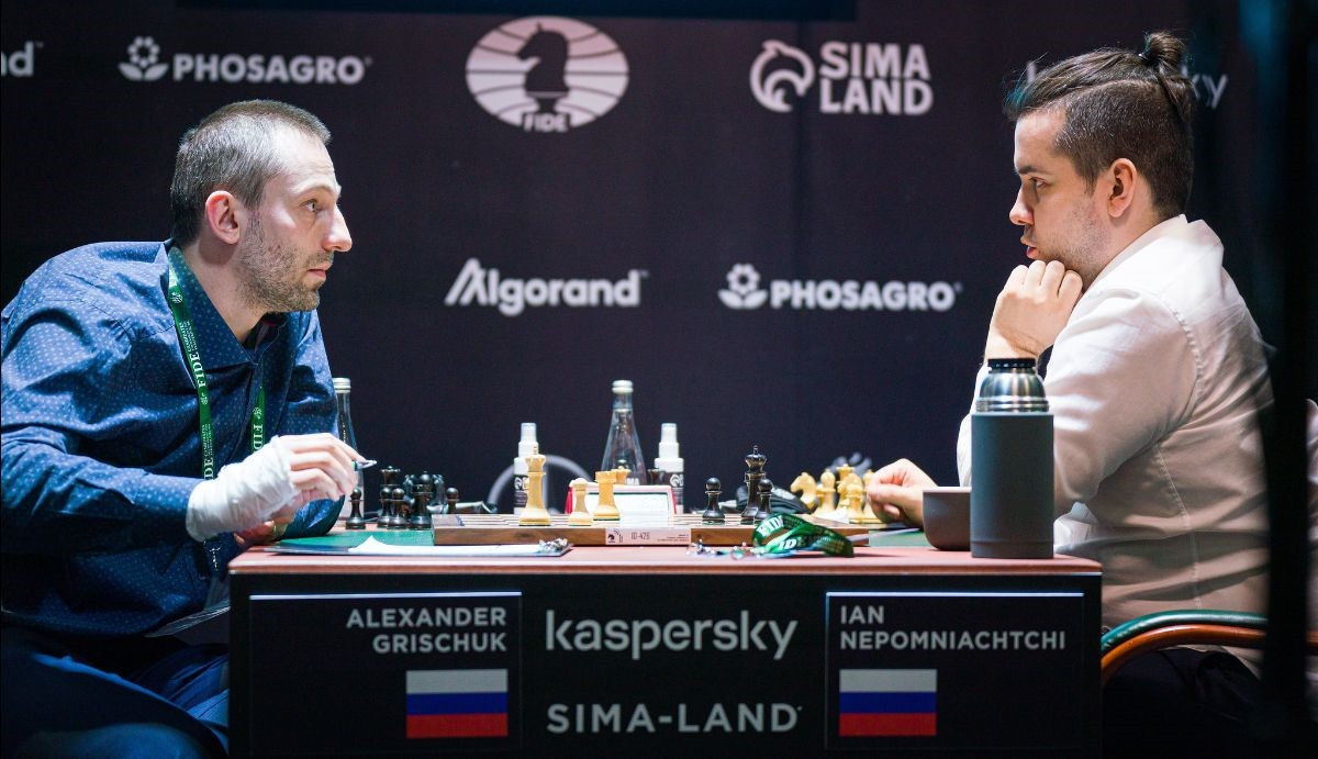 Nepomniachtchi keeps half-point lead at FIDE Candidates Tournament