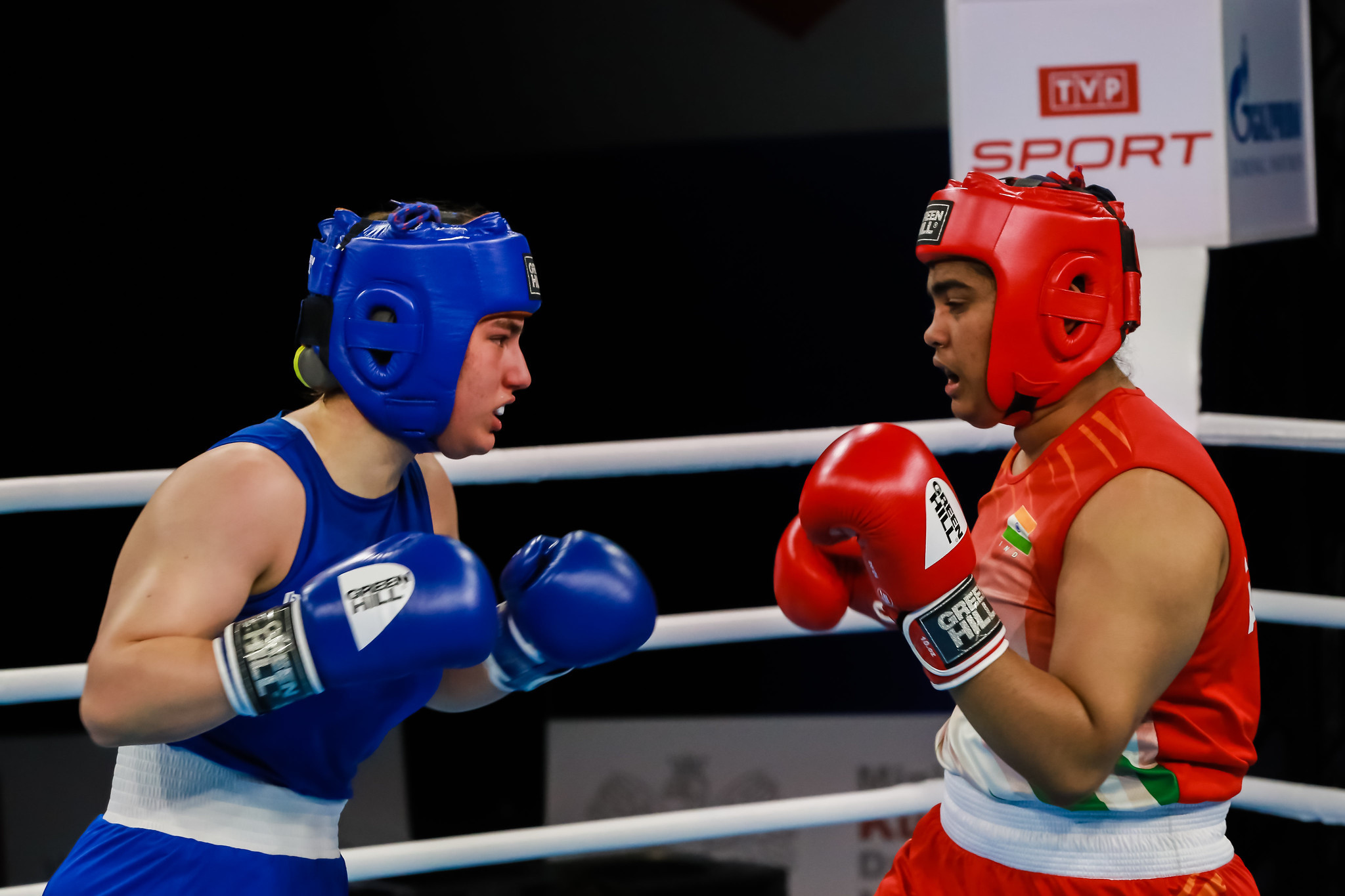 Alfiya Tarannum Akram Khan Pathan, in red, was another, beating home fighter Oliwia Toborek on three of the five judges' scorecards to earn a place in the women's heavyweight gold-medal match ©AIBA