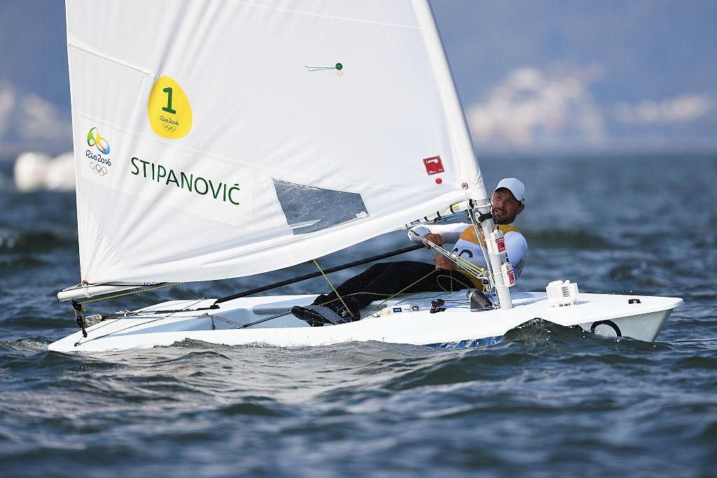 O tunisiano Stepanovic, medalhista de prata no laser no Rio 2016, subiu ao terceiro lugar no Campeonato Internacional de Vilamoura © Getty Images