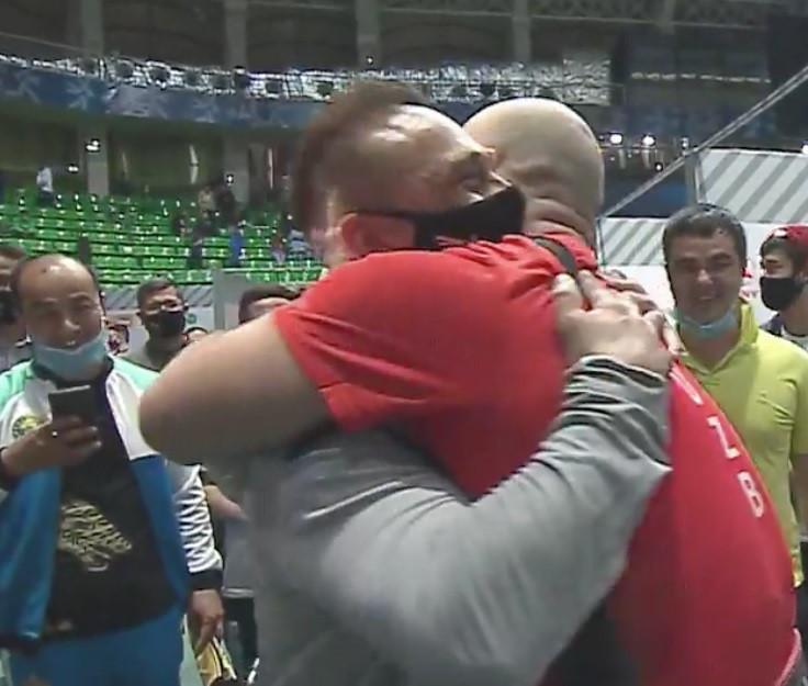 World records for Nurudinov and Yang Zhe at Asian Weightlifting Championships