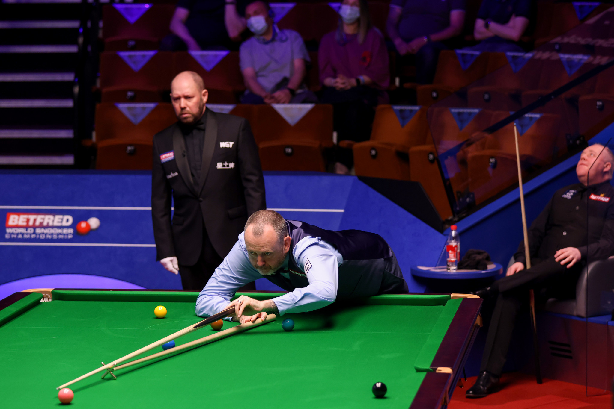 Williams rolls back the years as he defeats Higgins at World Snooker Championship in repeat of 2018 final