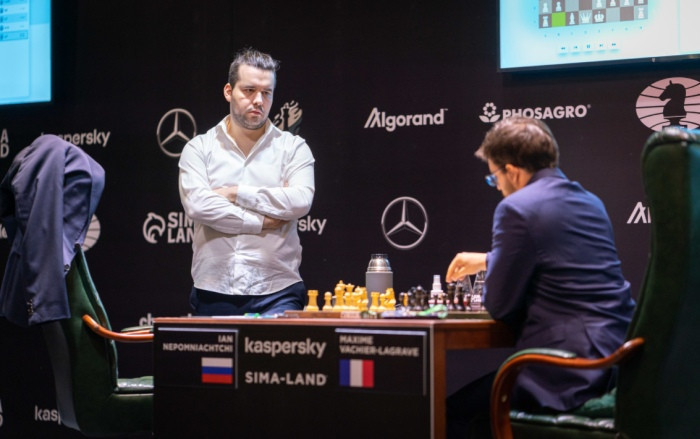 Nepomniachtchi wins FIDE Candidates Tournament after Giri falls to Grischuk