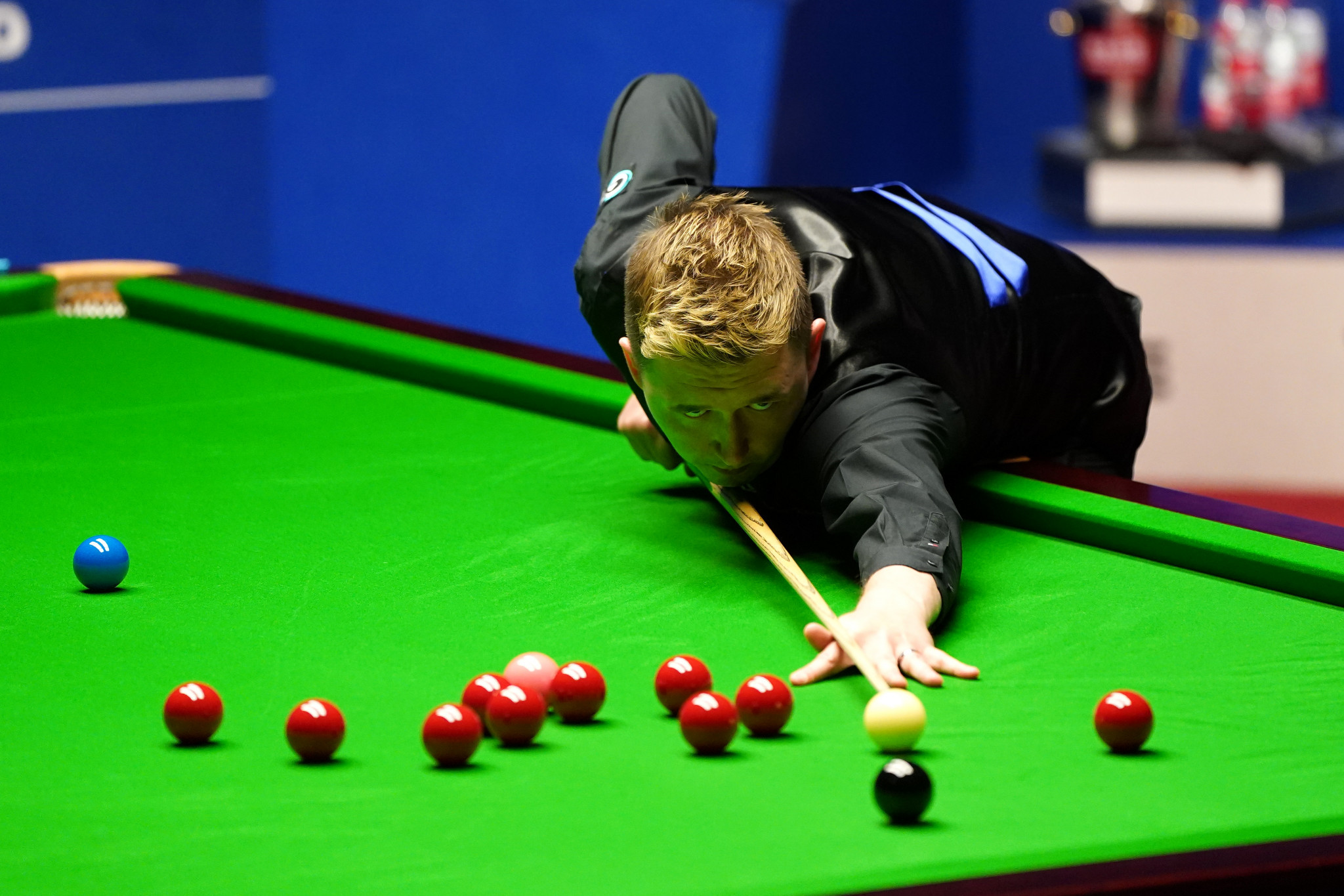 Wilson opens up four frame lead over Murphy in World Snooker Championship semi-final