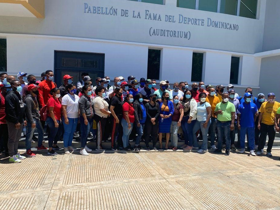 A recent Baseball5 introduction course held in Santo Domingo attracted more than 70 physical education professionals, teachers, coaches and representatives of the Armed Forces ©WBSC/FEDOBE