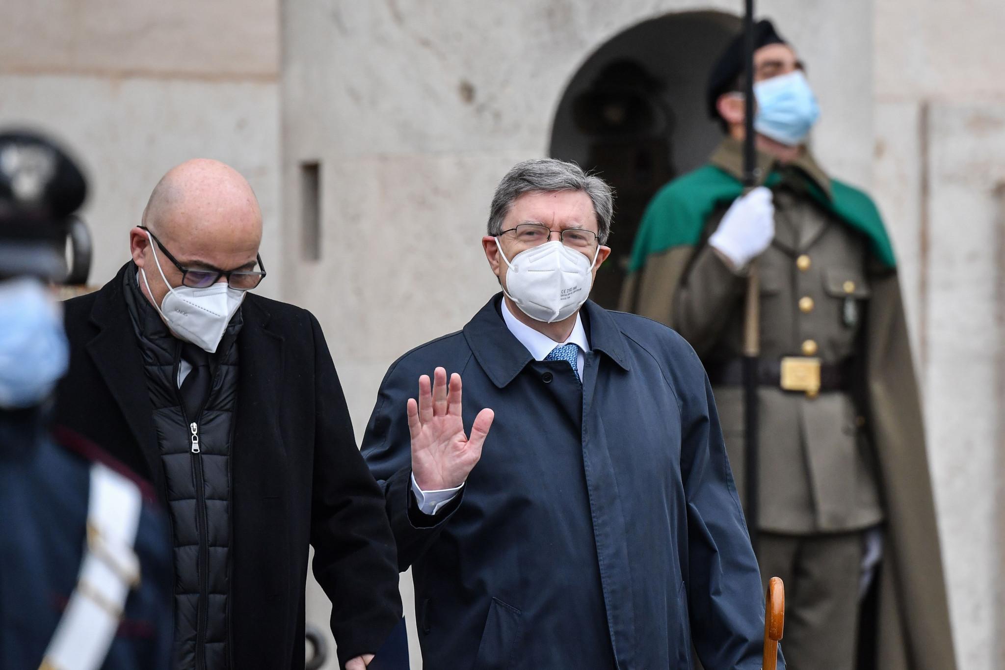 Il ministro dei Trasporti italiano Enrico Giovanini, a destra, ha nominato Alessandro Morelli alla carica © Getty Images
