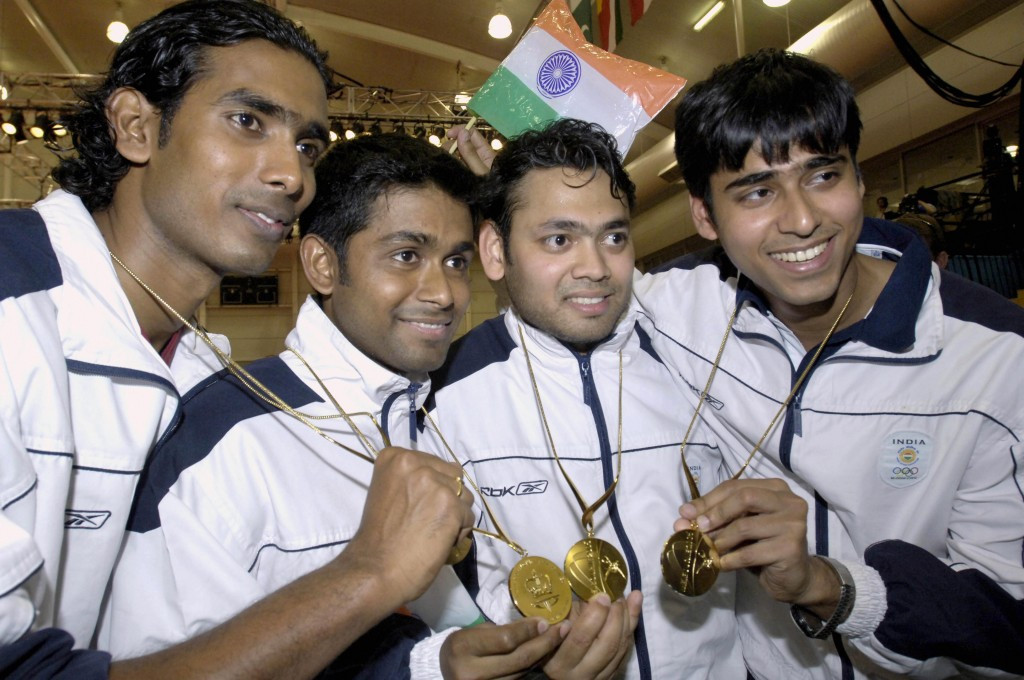 The India team pose with their medals after victory at Melbourne 2006 ©Getty Images