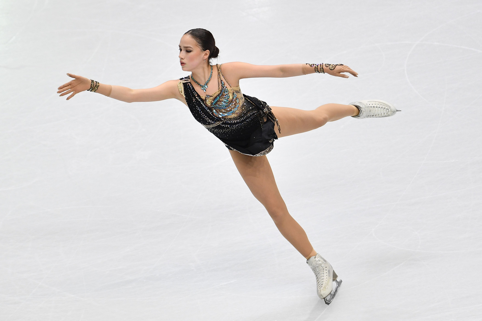 Zagitova omitted from Russian figure skating team for Olympic season